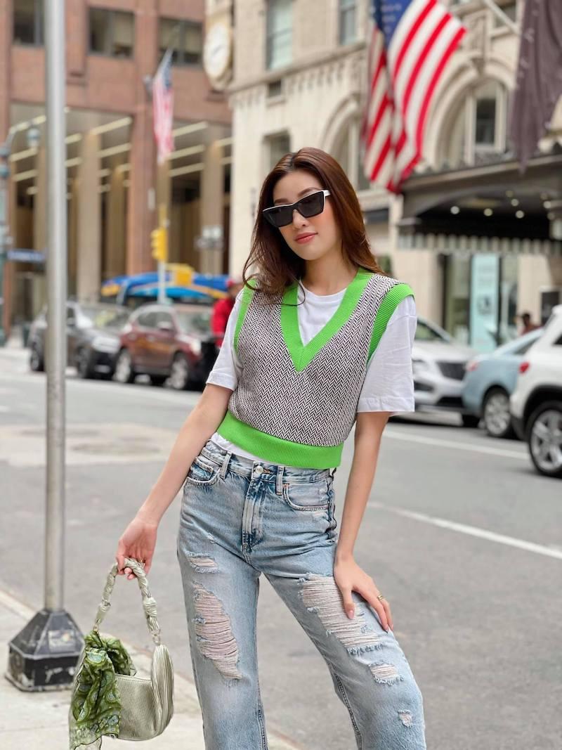 Khánh Vân liên tục diện màu xanh neon thời  thượng khi dạo chơi trên đất Mỹ
