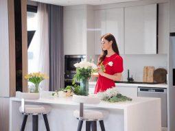 Hoa hậu Lương Thùy Linh hạnh phúc khoe căn hộ penthouse mới tậu