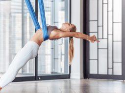 Aerial yoga là gì và vì sao nó là bộ môn yoga được đề nghị cho người bị đau lưng?