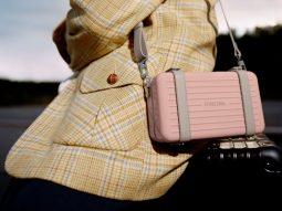 Không chỉ sản xuất vali, Rimowa còn ra mắt túi đeo chéo người trendy