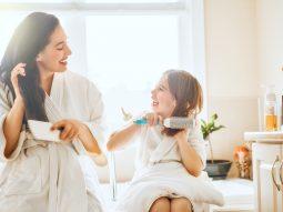 Review các loại lược chải tóc giúp tóc bóng khỏe, gỡ rối và giảm đau đầu