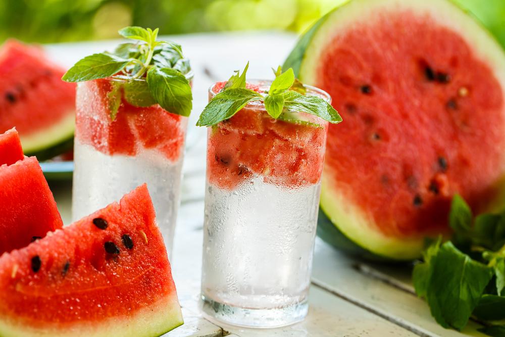 Công thức detox giảm mỡ bụng: Nước dưa hấu và bạc hà