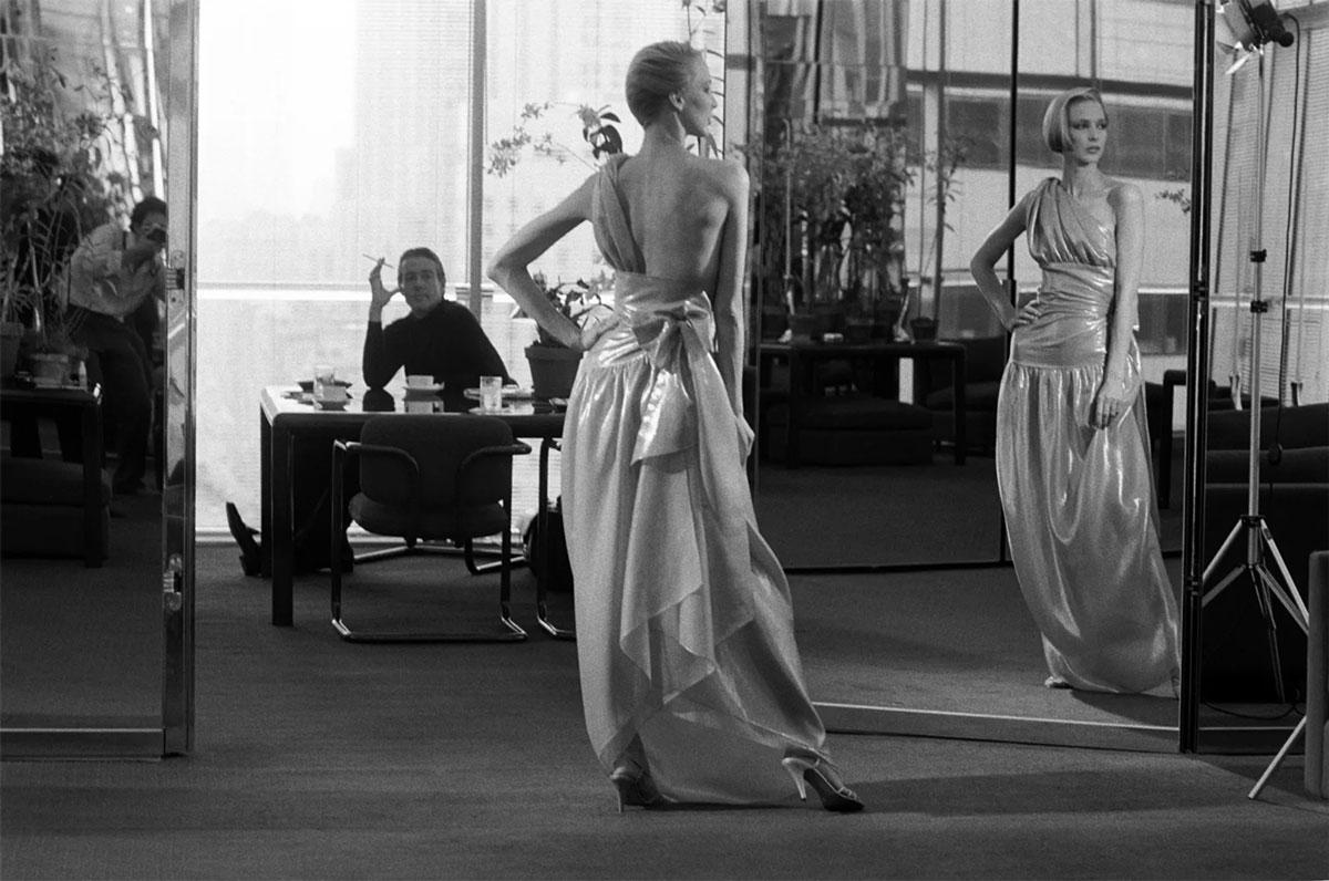 4 bài học về kinh doanh thời trang qua phim Halston của Netflix