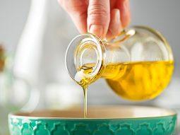 Súc miệng bằng dầu có thật sự làm trắng răng, sạch miệng?