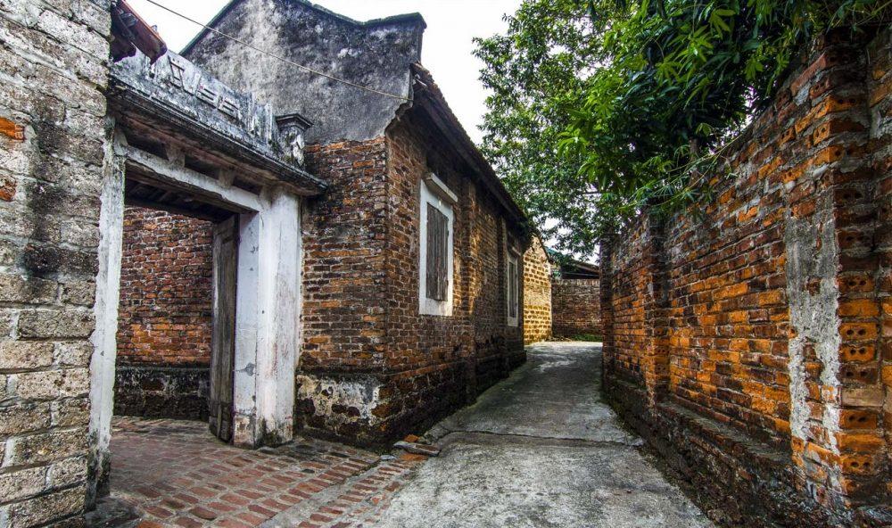 Địa điểm du lịch gần Hà Nội trong 1 ngày: Làng cổ Đường Lâm