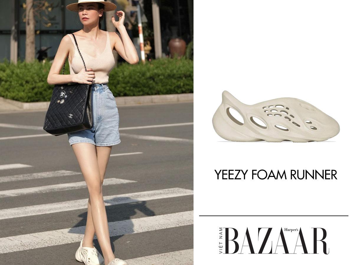 Hồ Ngọc Hà chứng tỏ mình là dân sành streetwear khi sở hữu đôi Yeezy Foam Runner