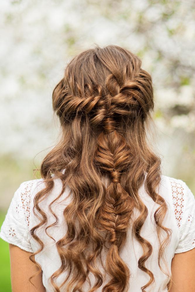 Tết tóc kiểu vặn thừng