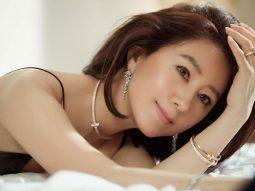 """""""Bà cả Thế giới hôn nhân"""" Kim Hee Ae quyến rũ ở tuổi U50 với trang sức Tiffany & Co"""