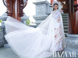 Mẫu nhí Bảo Hà nền nã trong áo dài họa tiết hoa sen của Bảo Bảo House
