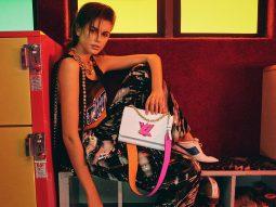 Louis Vuitton tân trang túi xách Twist 2021 với nắp khóa LV màu Pop Art