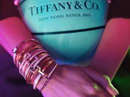 Tiffany & Co tôn vinh sức mạnh cá nhân trong chiến dịch Tiffany T