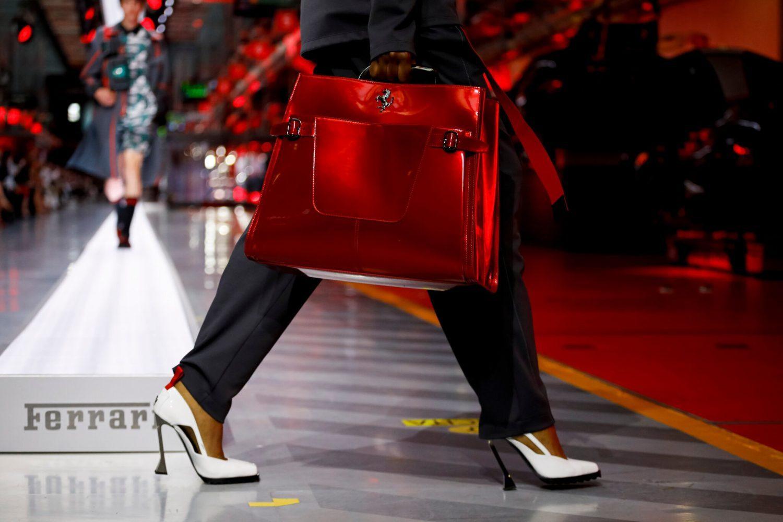 Ferrari lấn sân thời trang cao cấp với thương hiệu Ferrari Style, ra mắt BST Xuân 2022 tại xưởng chế tác xe đua