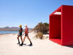 Prada Men Xuân Hè 2022: Cảm hứng từ ngày hè ấu thơ