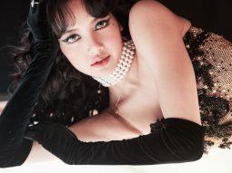 Lisa BLACKPINK chuẩn bị debut solo, chia sẻ về gu thời trang cá nhân