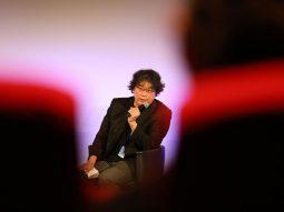 Đạo diễn Bong Joon Ho chuyển thể Parasite thành phim truyền hình dài tập
