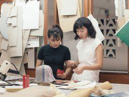 Chế tác thủ công: Xu hướng giúp thời trang Việt Nam phát triển hậu đại dịch 2021
