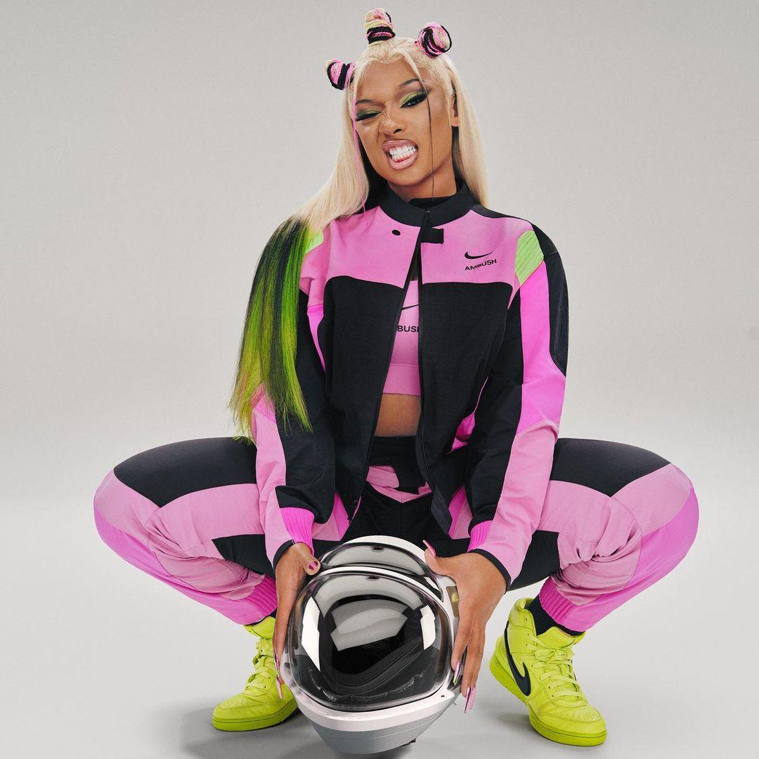 Megan Thee Stallion ngang tàng tạo dáng cho Nike x AMBUSH