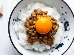 Natto, món ăn sáng và ăn xế giàu dinh dưỡng từ Nhật Bản