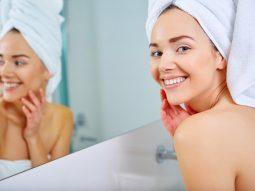 6 tác hại của việc bôi kem đánh răng lên mặt bạn cần biết