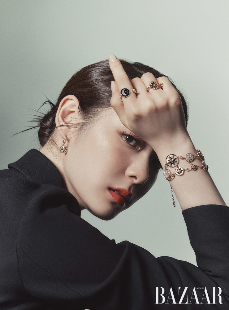 Nữ hoàng sân băng Yuna Kim tỏa sáng như vì sao trong trang sức Dior Rose des Vents