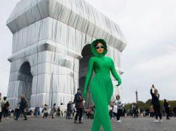 Tất cả những bộ cánh dị biệt của Cardi B tại Tuần lễ thời trang Paris Xuân Hè 2022