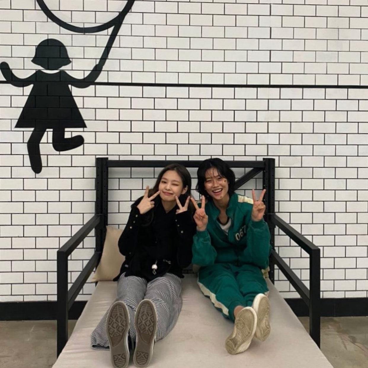 Jung Ho Yeon cùng Jennie Blackpink